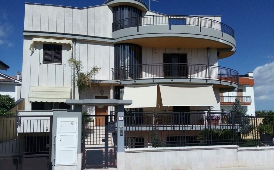 Villa 300 mq Grumo Appula zona centro