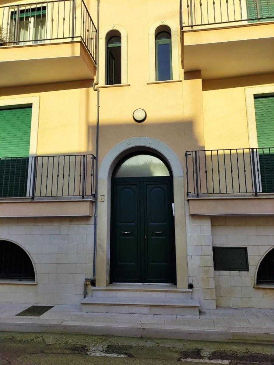 Appartamento pronto da abitare 90 mq + terrazza + doppio ...